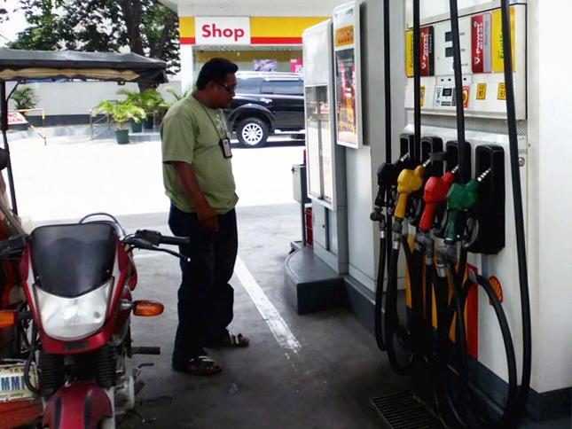 FILE PHOTO: Isang gasolinahan ng Shell. (PHOTOVILLE International / Frederick Alvior)