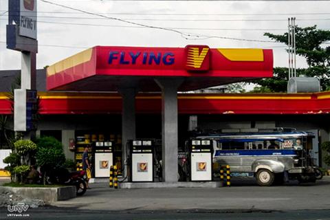 FILE PHOTO: Isa sa mga oil players — Flying V (PHOTOVILLE International / Rogz Necessito Jr.)