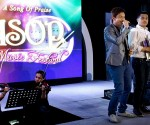 "Ang nanalo sa A Song of Praise Music Festival Producers' Pick na sina Raul Trinidad (composer) at Brenan Espartinez (interpreter) para sa awiting ""Iniibig Kita, Buong Puso at Kaluluwa"". (PHOTOVILLE International / Marvin Pongos)"