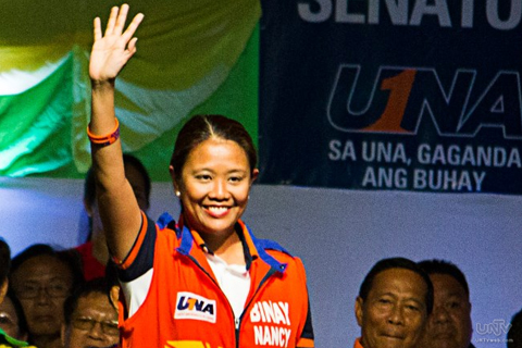 FILE PHOTO: Si Senator-elect Nancy Binay sa proclamation rally ng United Nationalist Alliance (UNA) sa Cebu sa pagpapasimula ng kampanya nitong 2013 Midterm Elections. (JAMES VERCIDE / Photoville International)