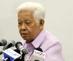 FILE PHOTO: COMELEC Chairman Sixto Brillantes Jr. (WILLY SEE / Photoville International)