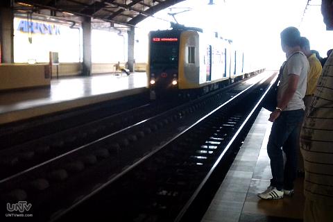 FILE PHOTO: LRT Roosevelt Station (CONTRIBUTED PHOTO)