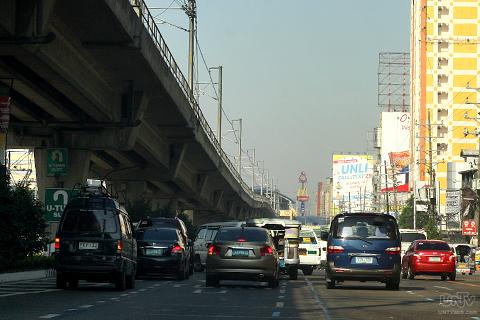 FILE PHOTO: Traffic build up approaching EDSA-Munoz, QC. (RAYMOND BALA LACSA)