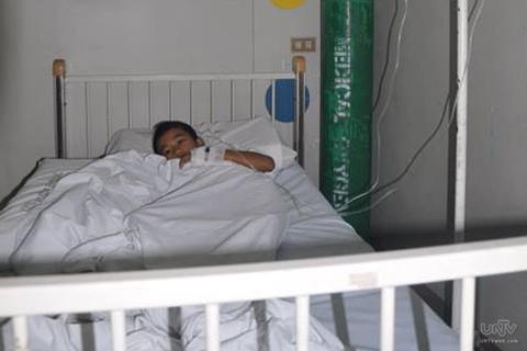 FILE PHOTO: Isang pasyenteng inoobserbahan sa Saint Elezabeth Hospital ng General Santos City dahil sa posibilidad ng pagkakaroon niton ng dengue. Ang larawang ito ay kuha noong Hulyo 01, 2013. (DARWIN DEE / Photoville International)