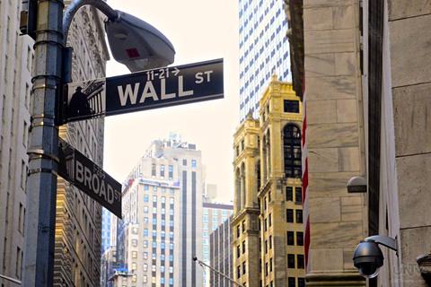 FILE PHOTO: Ang Wall Street sa New York City na siyang financial district ng naturang estado at siyang sumisimbolo na rin para sa ekonomiya ng Estados Unidos sa kabuuan. (AARON ROMERO / Photoville International)