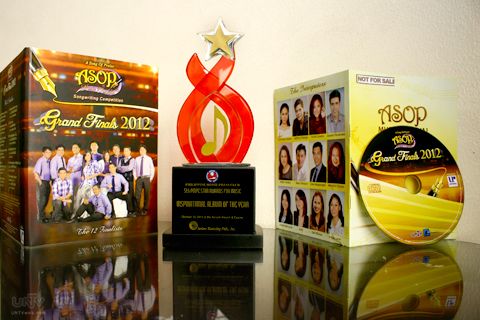 Ang A Song of Praise Music Festival 2012 commemorative album na itinanghal ng Philippine Movie Press Club (PMPC) Star Awards for Music bilang Inspirational Album of the Year. (RAYMOND BALA LACSA / Photoville International)