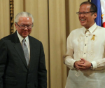 President Benigno S. Aquino III and His Excellency Tony Tan Keng Yam, President of the Republic of Singapore, shares a light moment during the joint press statement at the Reception Hall of the Malacañan Palace for the State Visit to the Philippines of the Singapore Head of State on Thursday (April 03, 2014). This is President Tan's first state visit to the Philippines. It is a reciprocal visit following President Aquino's State Visit to Singapore on 9 to 11 March 2011. Singapore is the Philippines' 4th largest trade partner in 2013, with total trade amounting to US$9.27 billion. It is also the 6th largest source of visitors to the Philippines, with 175,304 tourist arrivals in 2013. Singapore also hosts an 180,000-strong Filipino community. (Photo by Benhur Arcayan / Malacañang Photo Bureau)