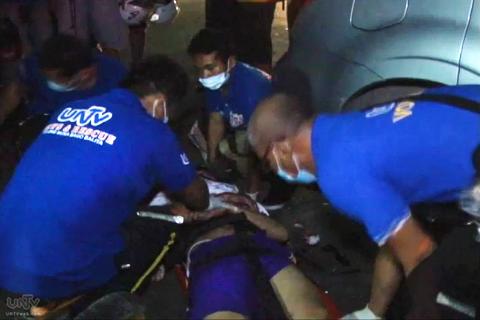 Nirespondehan ng UNTV News and Rescue Team ang isa sa mga biktima ng vehicular accident sa Cebu kaninang madaling araw, Hulyo 3, 2014 (UNTV News)