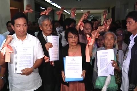 Kasama sa valid impeachment complaints laban kay Pangulong Benigno Aquino III ang reklamong inihain ng dating kongresistang Satur Ocampo at ng Gabriela Party-list kaugnay sa paggamit nito ng DAP (UNTV News)