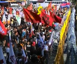 Nagsagawa ng rally kaninang umaga, Lunes, ang mga militanteng grupo para sa may Commonwealth Avenue kaugnay sa gagawing SONA ng Pangulong Aquino (UNTV News)