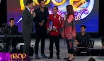 """Ang interpreter at composer ng tinanghal na ASOP Song of the Week na  """"Panginoon Kay Buti Mo"""" na sina Walton Zerrudo at Jesse Bayodoc sa pagkapanalo nitong Linggo. (UNTV News)"""