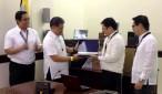 Ang pagkakaloob ng Bureau of Customs sa Department of Education ng mga nasabat na mga laptops  na umaabot sa 3,915 units nitong Huwebes, Agosto 28, 2014. (VICTOR  COSARE / UNTV News)