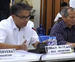 (Left) DILG Secretary Mar Roxas (UNTV News)