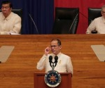 FILE PHOTO: President Benigno S. Aquino III delivers his 5th State of the Nation Address (SONA) during the Joint Session of the 16th Congress at the Batasang Pambansa in Quezon City on Monday (July 28). (Photo by Benhur Arcayan / Malacanang Photo Bureau)
