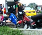 Ang pagresponde ng UNTV News and Rescue sa isang motorcycle accident nitong Lunes nitong Lunes sa Barangay Tandang Sora, Congressional Avenue, Quezon City. (UNTV News)