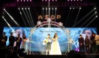 """Ang tinanghal na Song of the Year para sa ikatlong taon ng A Song of Praise Music Festival: """"May Awa ang Dios"""" na likha ni Louise Lyle Robles at binigyang buhay ni Beverly Caimen. (Rovic  Balunsay / Photoville International)"""