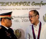 FILE PHOTO:  Philippine National Police (PNP) Chief Alan Purisma and President Benigno S. Aquino III  (Photo by Rey Baniquet / Malacañang Photo Bureau / PCOO)