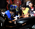 Ang pagresponde ng UNTV News and Rescue Team sa banggaan ng motorsiklo at tricycle sa Phinland Drive, Brgy. Pasong Tamo, Quezon City. (UNTV News)