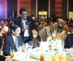 Si Mr. Public Service Kuya Daniel Razon sa piling ng mga panauhin sa Double: The Concert. (Photoville International / Rovic Balunsay)