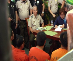 Ang pakikipagdayalogo ni DOJ Secretary Leila De Lima sa mga lider ng gang sa New Bilibid Prisons nitong Biyernes. (UNTV News)
