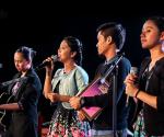 """Ang Bueno Sisters sa pag-bibigay buhay sa komposisyong likha ni Randy Pusing na """"Ikaw Lamang Ang Sinasamba"""" . (FREDERICK ALVIOR / Photoville International)"""