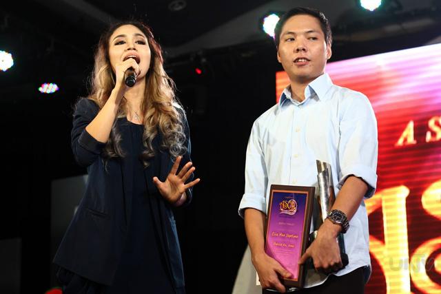 """Ang interpreter at composer ng """"Awit Kong Dasal"""" na sina Danica Reynes at"""