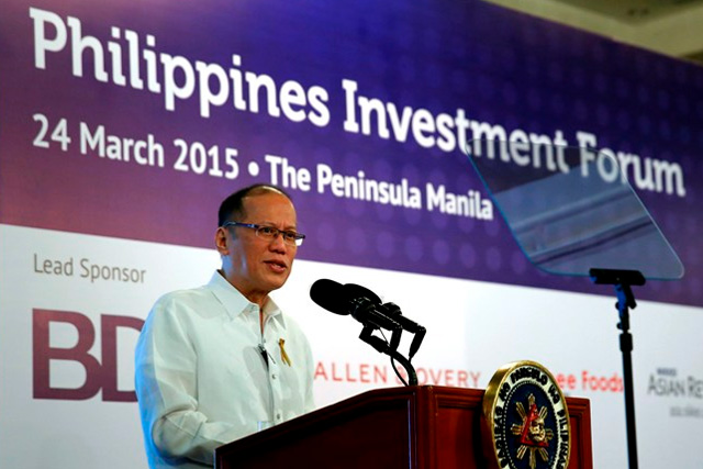 Si President Benigno S. Aquino III sa kanyang speech 4th Euromoney Philippine Investment Forum sa Rigodon Ballroom of The Peninsula Manila nitong Martes, Marso 24.(Photo by Gil Nartea / Benhur Arcayan / Malacañang Photo Bureau)