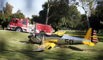 An airplane sits after crash landing at Penmar Golf Course in Venice California March 5, 2015. CREDIT: REUTERS/LUCY NICHOLSON