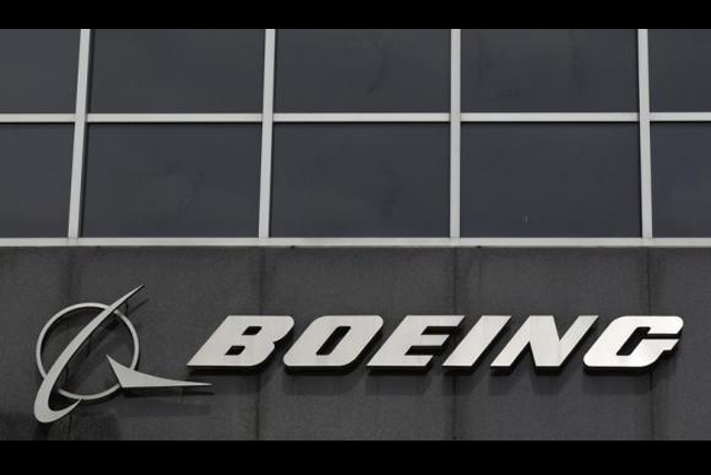 The Boeing logo is seen at their headquarters in Chicago, April 24, 2013. CREDIT: REUTERS/JIM YOUNG