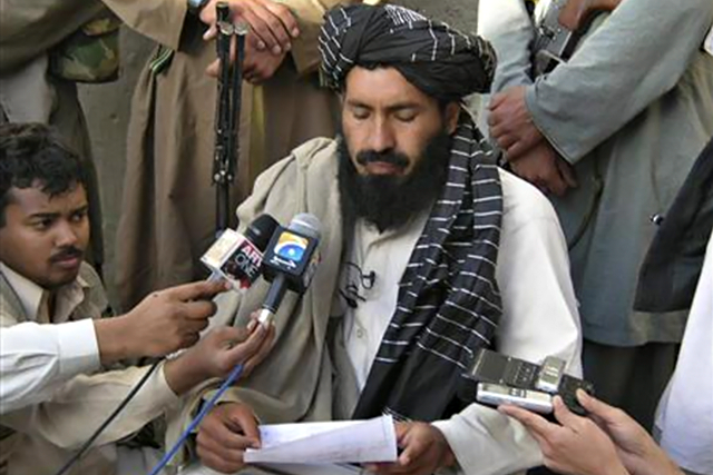 A pro-Taliban Pakistani tribal leader Mullah Nazir reads his statement during a news conference in Wana, the main town of the South Waziristan region bordering Afghanistan, April 20, 2007.  CREDIT: REUTERS/ALAMGIR BITANI
