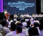 Si Pangulong Benigno S. Aquino III sa pagbibigay ng mensahe sa general assembly ng League of Municipalities of the Philippines sa Manila Hotel nitong Miyerkules, April 15, 2015. (Photo by Gil Nartea / Malacañang Photo Bureau)