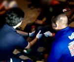 Pagresponde sa aksidente ng UNTV News and Rescue Team sa San Pedro, Laguna nitong Sabado ng gabi. (UNTV News)