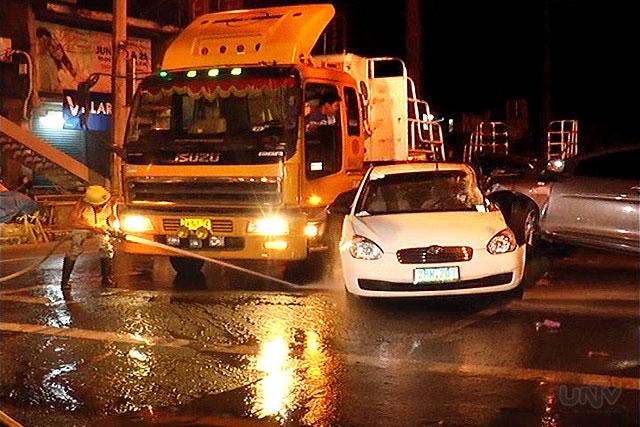 Ang aksidente bahagi ng Masinag, Antipolo City nitong madaling araw ng Lunes ng 2 kotse at 1 truck.  (UNTV News)