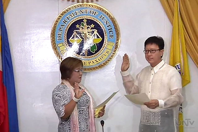 Oath-taking ng bagong talagang si Bureau of Corrections Director Ricardo Rainier Cruz III nitong Martes sa harap ni DOJ Sec. Leila De Lima. (UNTV News)