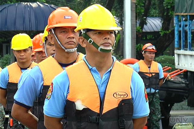 FILE PHOTO: Mga pulis na  nakahanda para sa rescue na pangkalamidad (UNTV News)