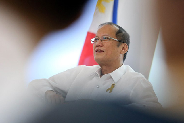 President Benigno Aquino III entertaining questions at an Inquirer event