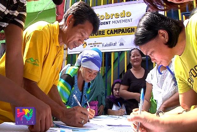 Signature campaign para kay Congressman Leni Robredo sa pagiging running mate ni Sec. Mar Roxas sa 2016. (UNTV News)