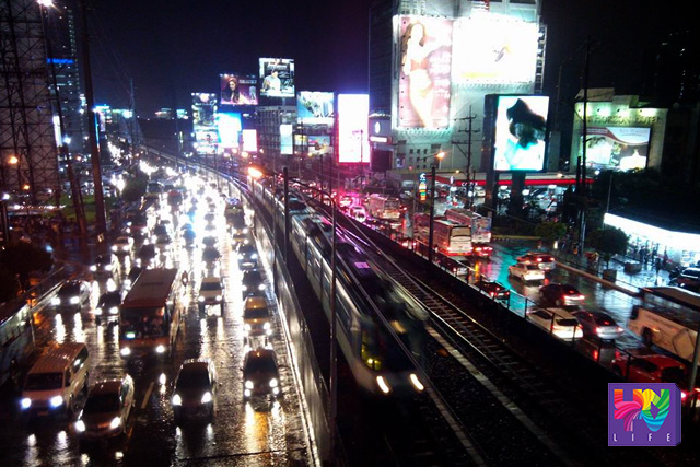 View of traffic at MRT Boni station in EDSA last September 10, 2015, Thursday. (ROVIC BALUNSAY / Photoville International)