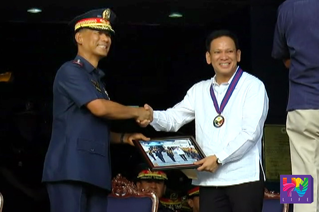 (Left-Right) PNP Chief Ricardo Marquez and DILG Sec. Mel Sarmiento