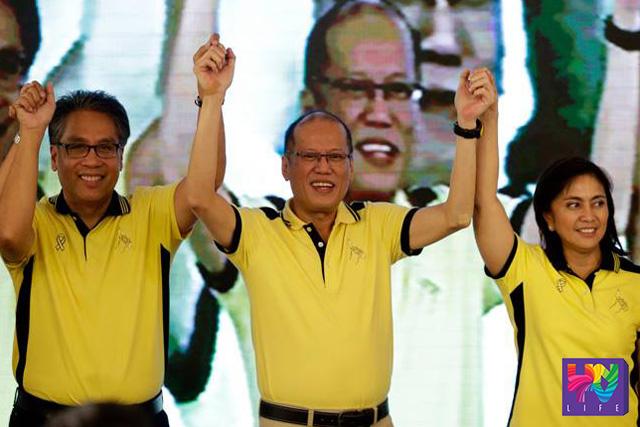 (Left-Right) Ang 2 standard bearer ng Liberal Party kasama ang Pangulong Benigno Aquino III sa proklamasyon ni Congresswoman Leni Robredo bilang vice presidentiable ng Liberal Party. (Photoville International)