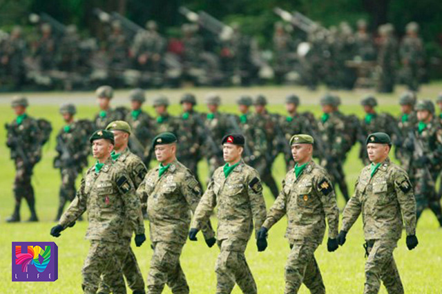 FILE PHOTO: Members of Armed Forces of the Philippines on parade. (Photoville International)
