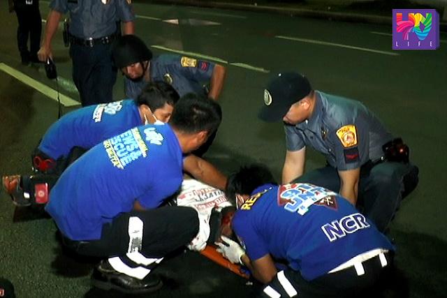 Nirespondehan ng UNTV News and Rescue Team ang isang motorcycle accident sa Quezon City nitong madaling araw ng Lunes.
