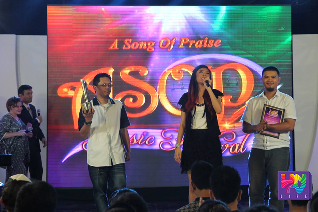 "Ang ASOP Song of the Week ""Para Sa'Yo"" na likha nina Niño Mas at Carlos Lacson sa interpretasyon ni Angel Velasco. (Kenneth Valladolid / Photoville International)"