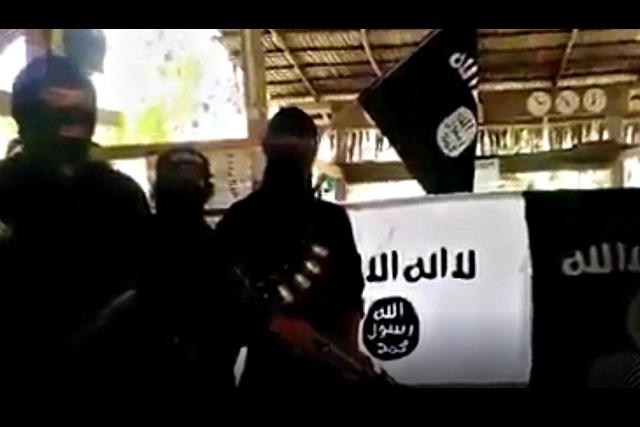 Isa itong screenshot sa kumalat na video ng pagbabanta sa seguridad na kumalat sa Facebook pagkatapos ng Paris attacks at bago isagawa ang APEC Summit sa Pilipinas.