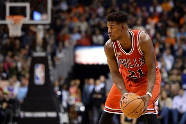 Nov 18, 2015; Phoenix, AZ, USA; Chicago Bulls guard Jimmy Butler (21) handles the ball in the second half against thePhoenix Suns at Talking Stick Resort Arena. The Bulls defeated the Suns 103-97. Mandatory Credit: Jennifer Stewart-USA TODAY Sports