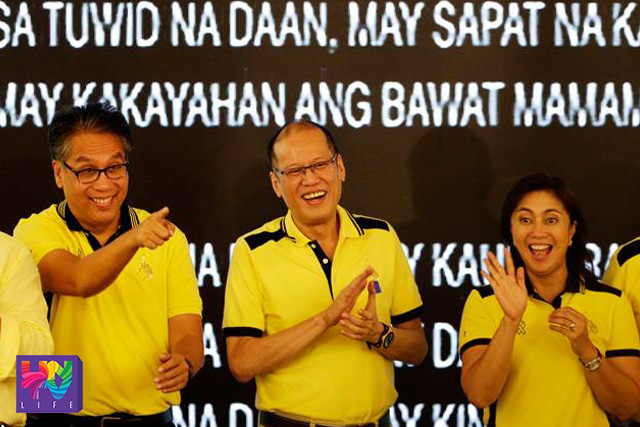 FILE PHOTO: (Left-Right) Liberal Party presidential candidate Sec. Mar Roxas, President Benigno Aquino III and vice presidential candidate Rep. Leni Robredo during their  political party gathering in San Juan City last October 05, 2015. (Photoville International)