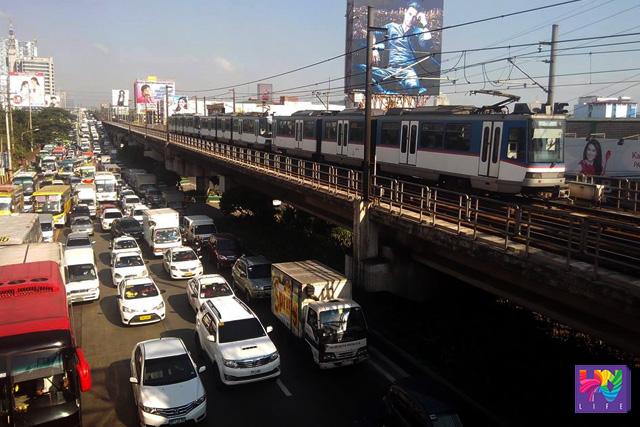 FILE PHOTO: Larawang kuha mula overpass sa may Mega Q-Mart. (PHOTOVILLE International)