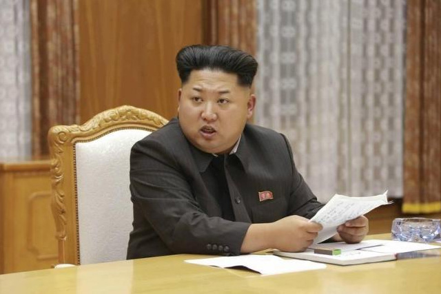 North Korean leader Kim Jong Un speaks at an emergency meeting of the Workers' Party of Korea (WPK) Central Military Commission, in this undated photo released by North Korea's Korean Central News Agency (KCNA) in Pyongyang on August 21, 2015. REUTERS/KCNA/FILES