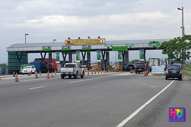 Before, travel time from Balintawak to Tarlac takes 2 hours, after the integration it will be reduced to 1 hour and ten minutes. FILE PHOTO: SCTEX toll plaza. MON JOCSON / UNTV News.