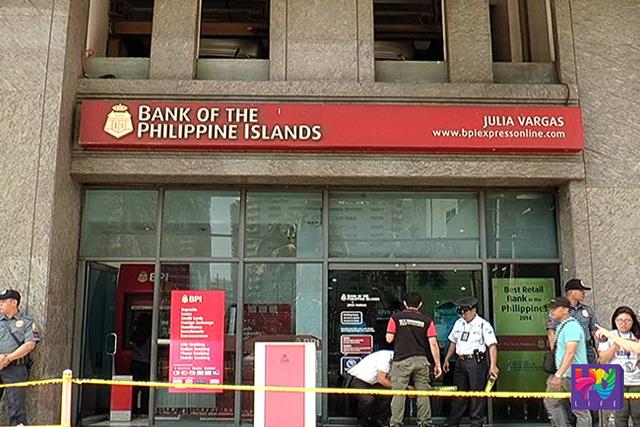 Nahaharangan at bantay-sarado ng pulisya ang BPI Julia Vargas branch kung saan umano naka-deposito ang P211 million na tagong-yaman ni Davao City Mayor Rodrigo Duterte.